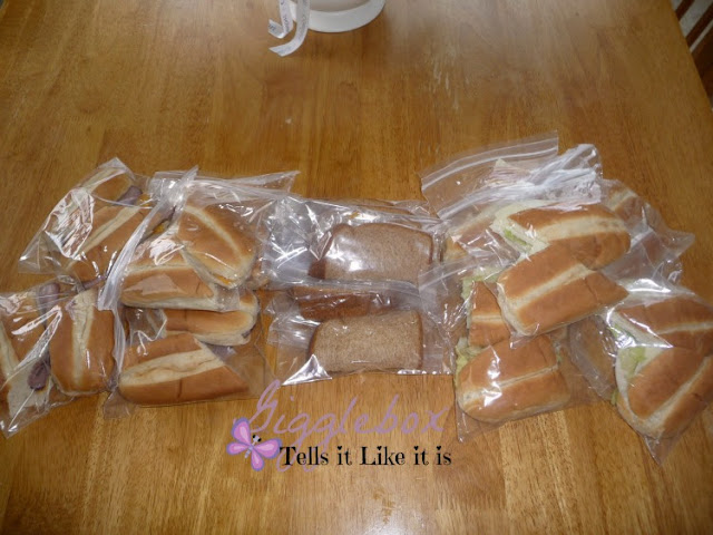 packing for a Myrtle Beach SC vacation, premaking lunches for a beach vacation,