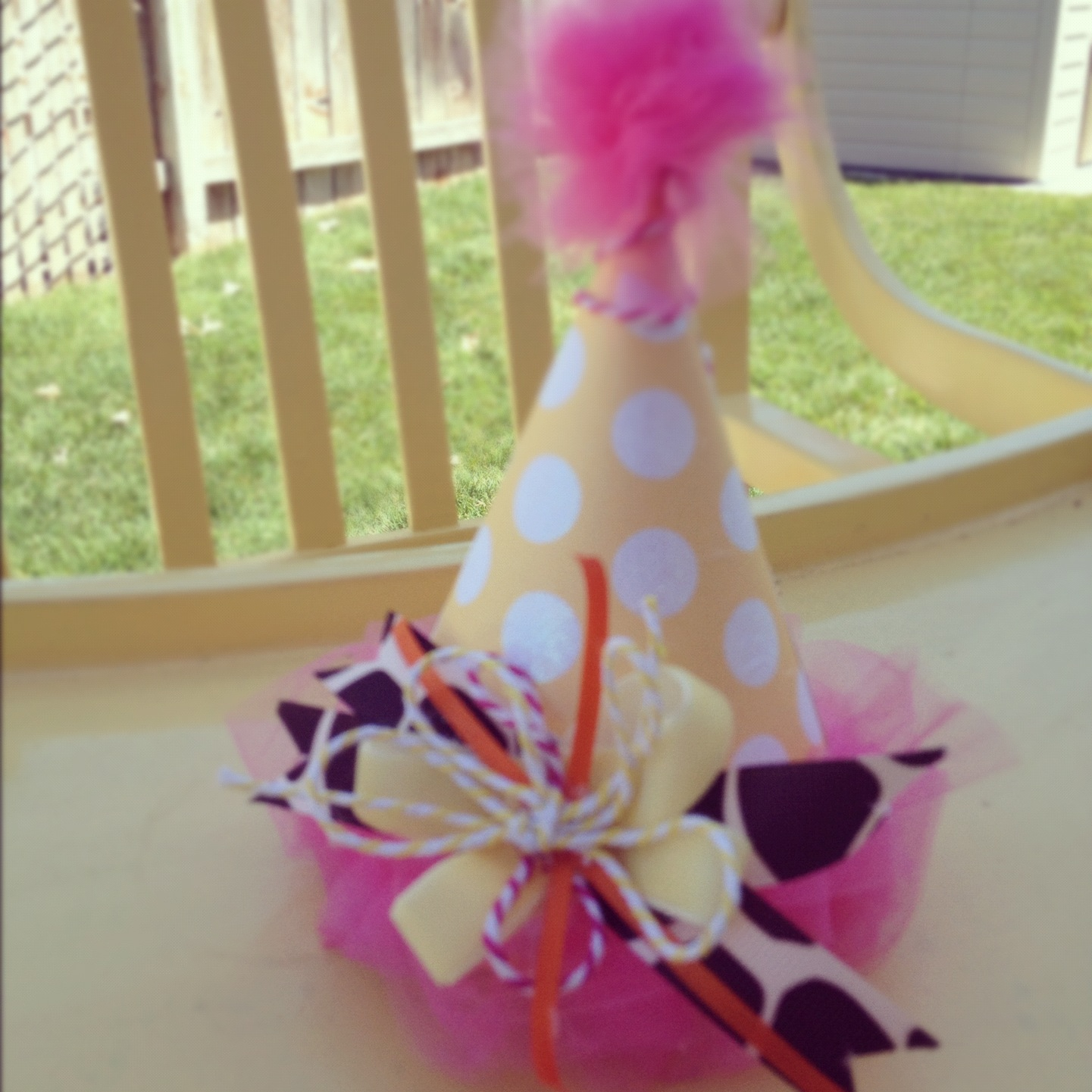 {Tutorial} DIY Birthday Hat