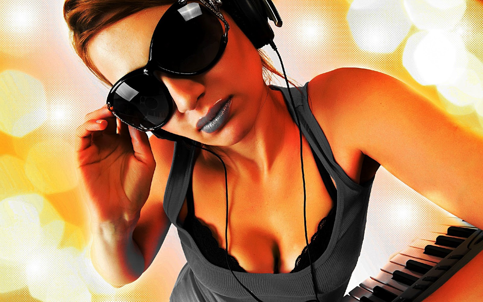 http://1.bp.blogspot.com/-4JCtL0MO5UY/T239cqgGwUI/AAAAAAAAbJQ/yomwz1BpyVk/s1600/DJ+Girls.jpg