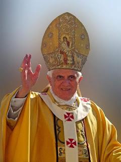Amanhã, 16 de abril, nosso amado Papa Emérito Bento XVI completará 86 anos de vida.