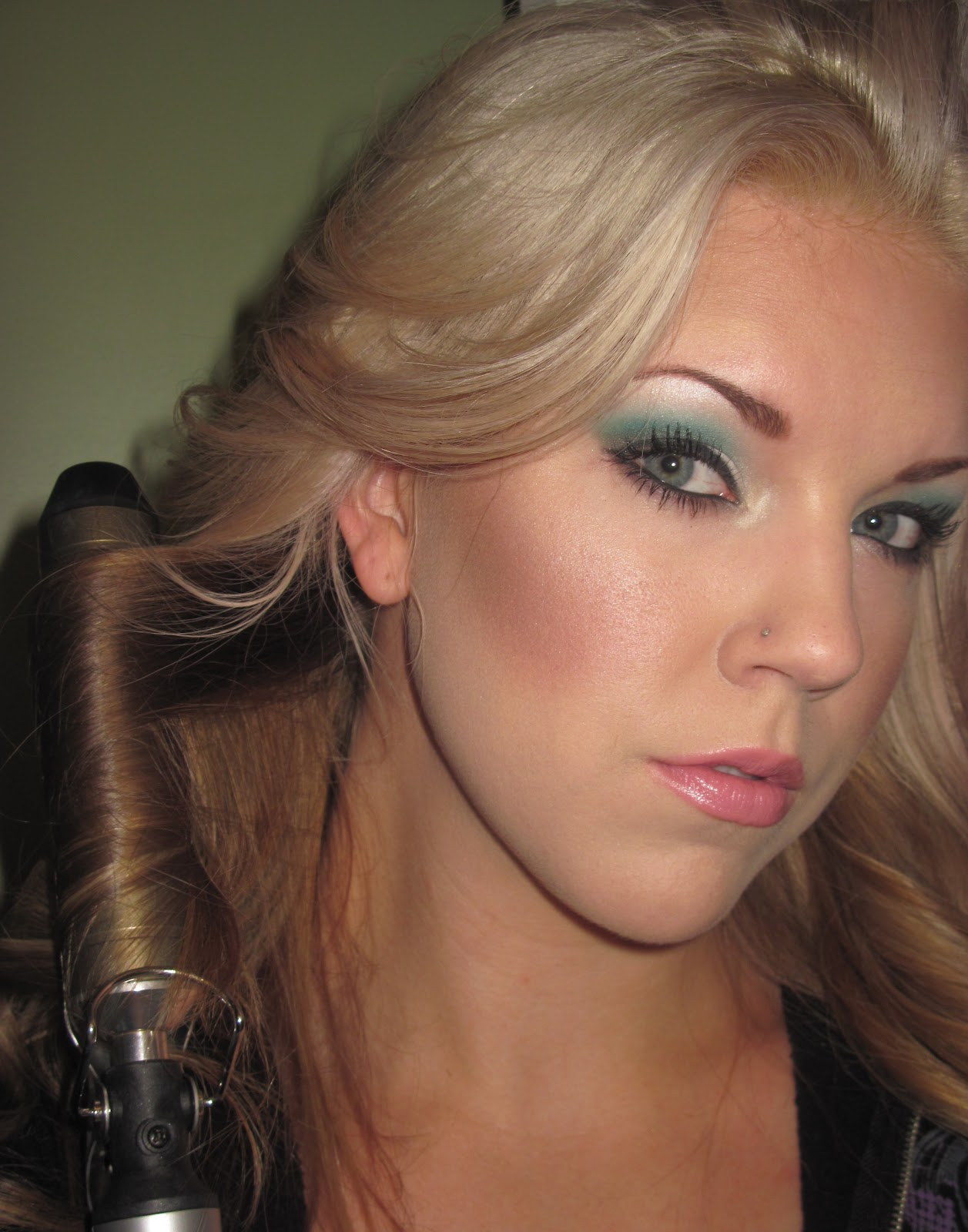 brown hair with blonde chunks underneath