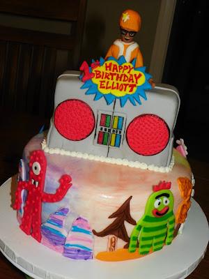 Make Yo Gabba Gabba Boombox Cake
