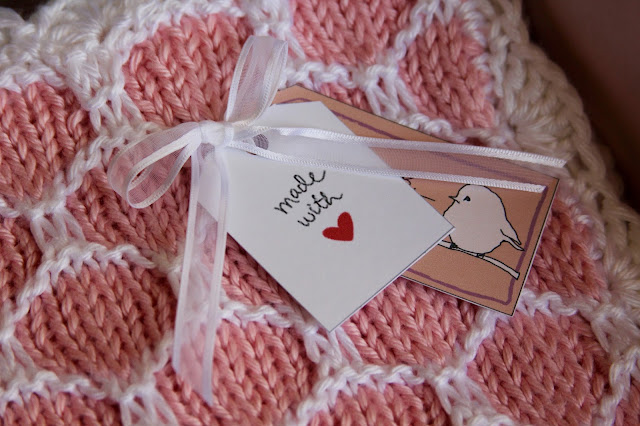 Made With Love Gift Tag on Knitted Blanket