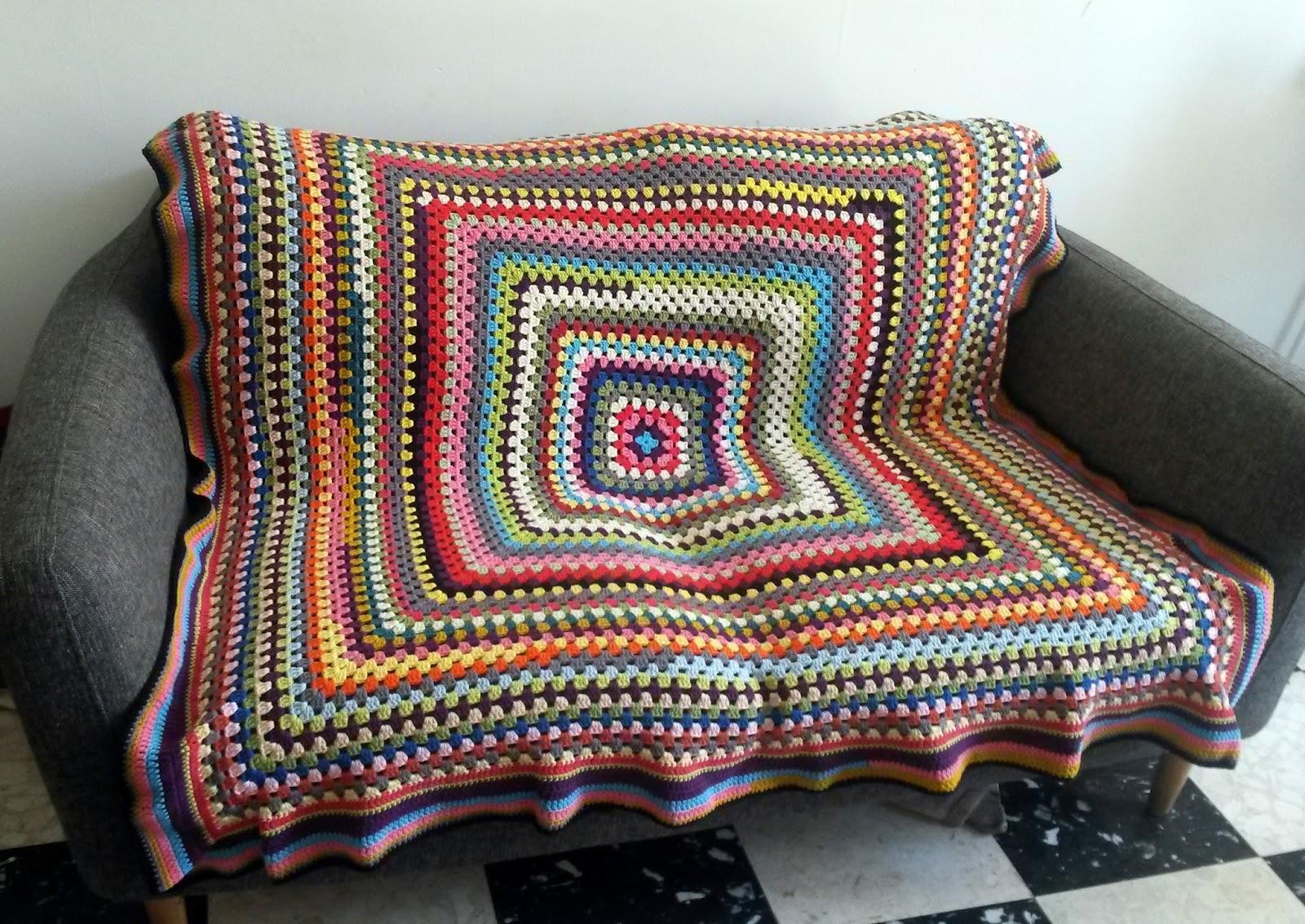 miss carolyne granny xxl un plaid 100 coton pour mon canap. Black Bedroom Furniture Sets. Home Design Ideas