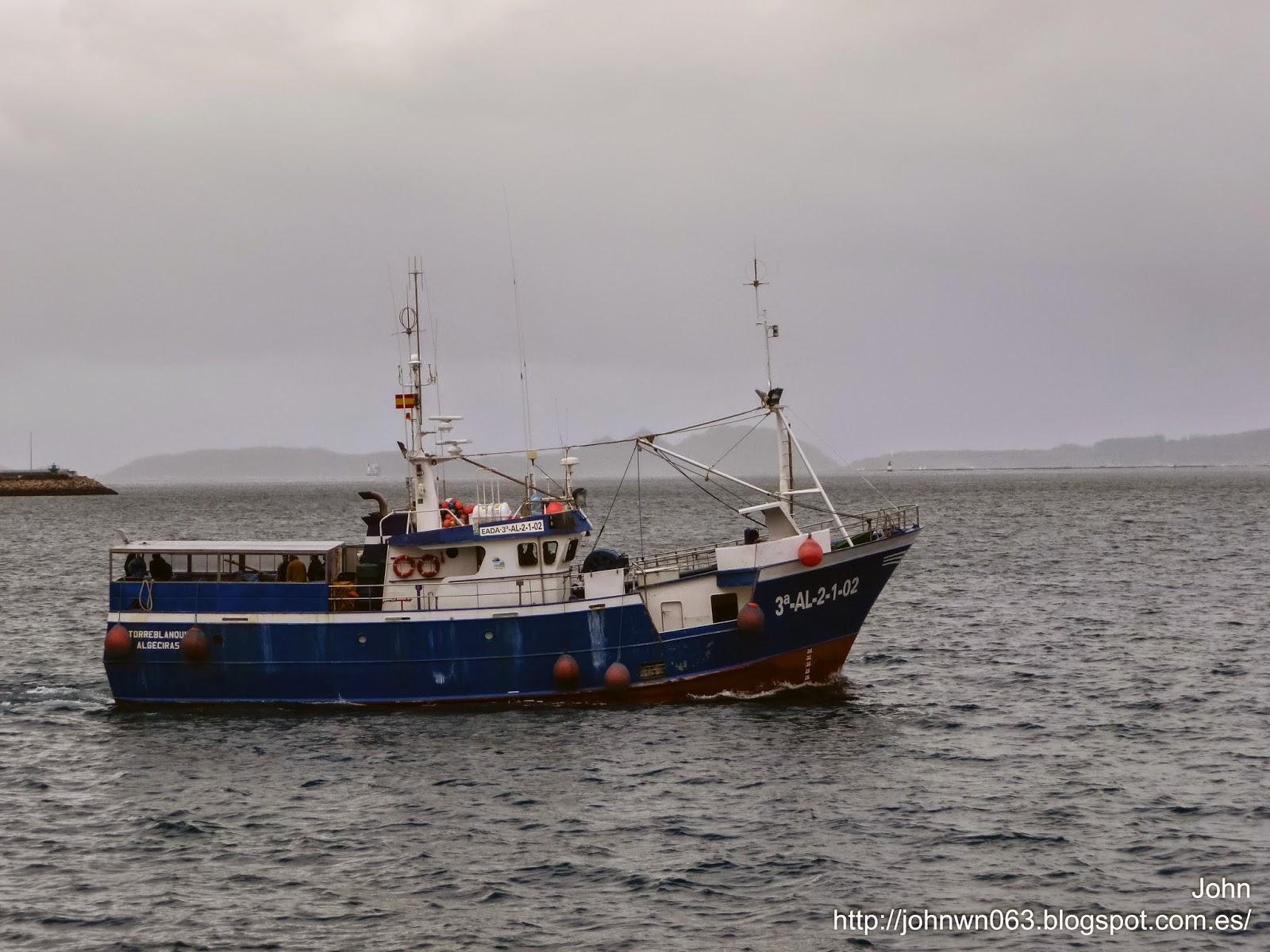 fotos de barcos, imagenes de barcos, nuevo torreblanquilla, palangrero, pez espada, vigo