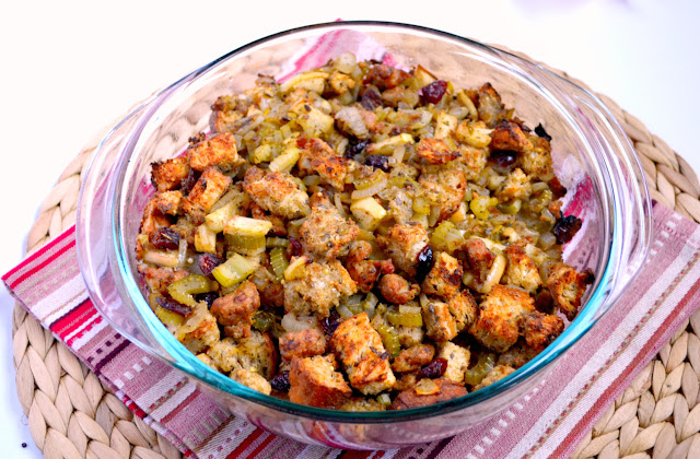 turkey sausage, apple, and cranberry stuffing recipe
