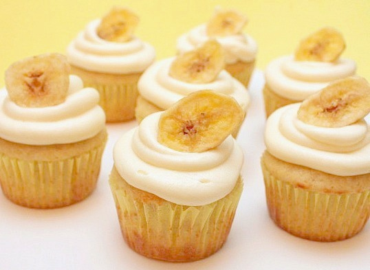 APPLE A DAY: Banana Cupcakes with Cream Cheese Frosting