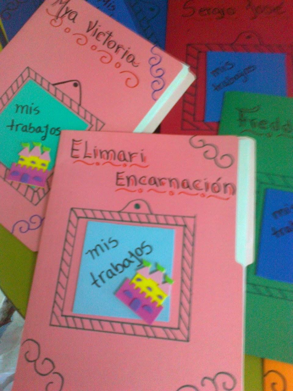 Tutorial idea como decorar un folder arin serrano nos da - Como decorar un album de fotos ...