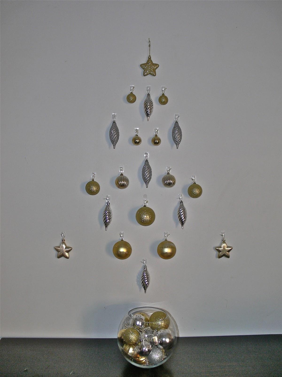 Laughs ideas inspiration christmas decorating ideas command hooks