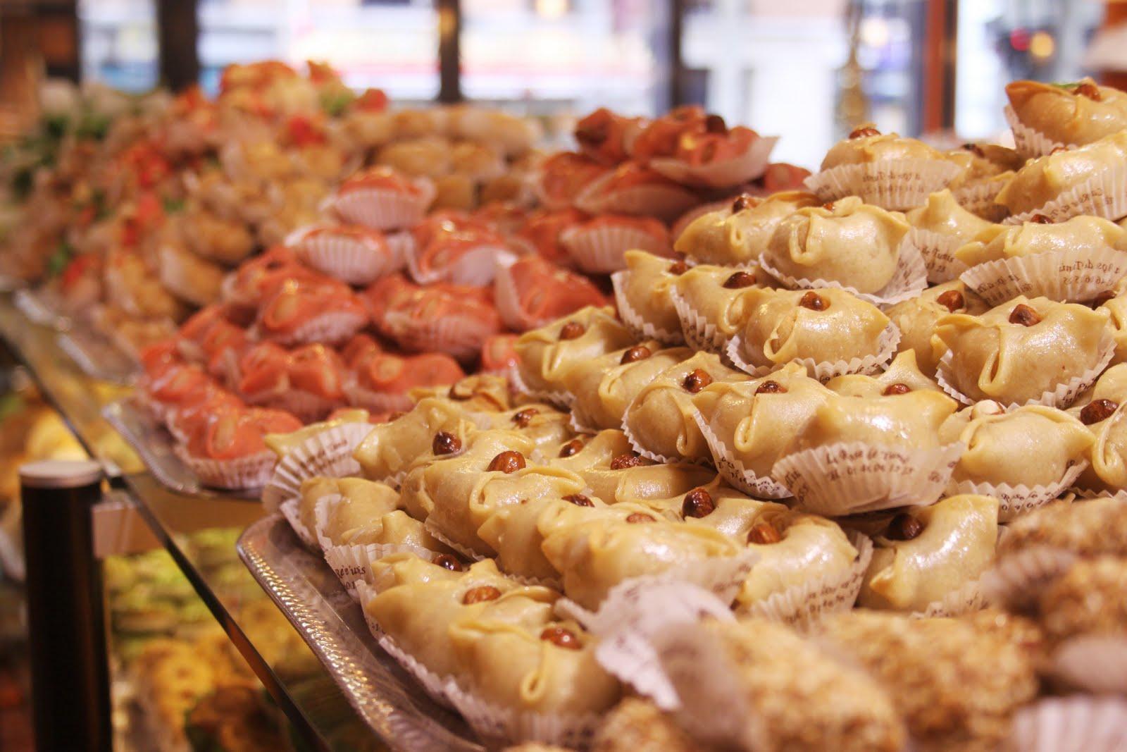 Vous découvrirez également la \u0026quot;rose des sables\u0026quot;, une pâtisserie étonnante en forme de spirale large.