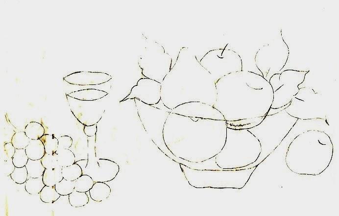 risco de fruteira com frutas e taça de vinho com cacho de uva para pintar
