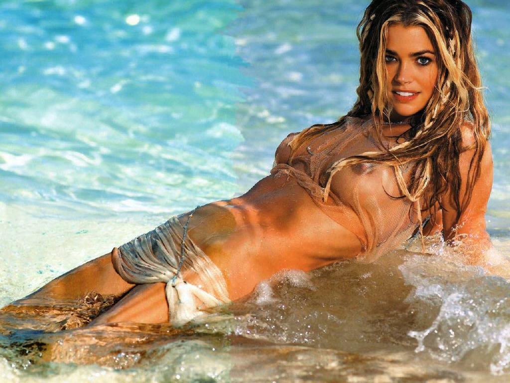 http://1.bp.blogspot.com/-4L1qhf2Vi8A/Tpg0ioUYEDI/AAAAAAAADJk/Nm2DlRPQ6Wc/s1600/79417_Denise_Richards_03_123_706lo.jpg