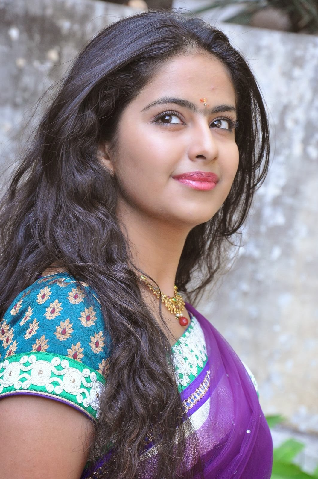 avika gor with long hair and nude