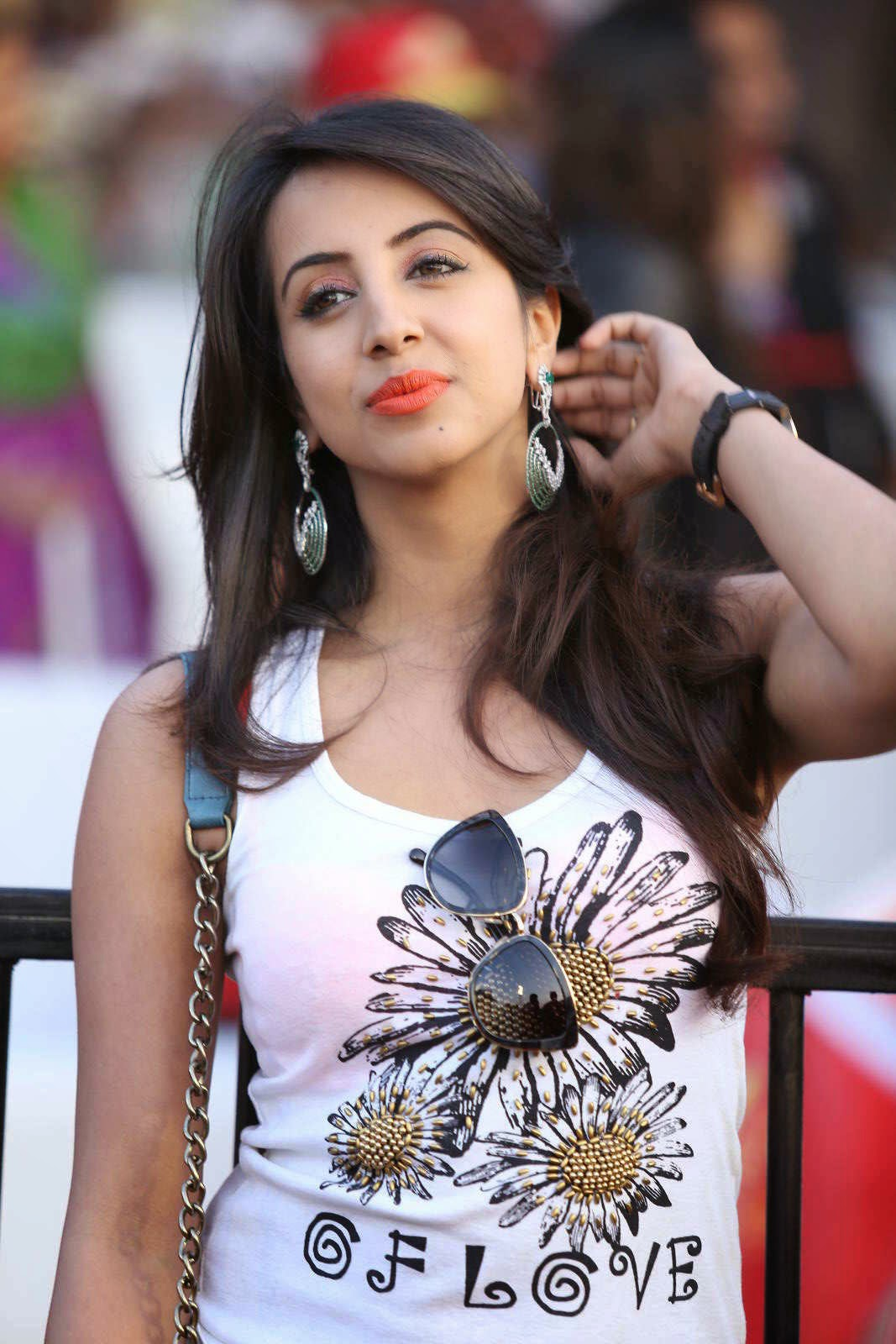 Actress Sanjjanaa Latest Cute Hot Spicy Photos Gallery At CCL5 Match