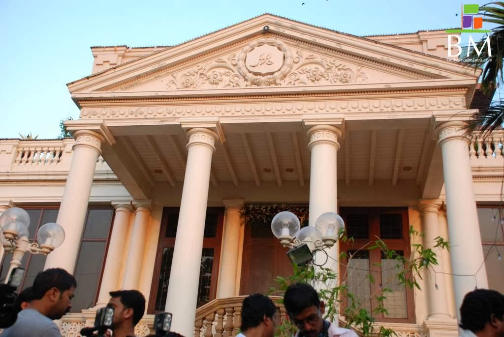 shahrukh khan shahrukh khan house mannat photos