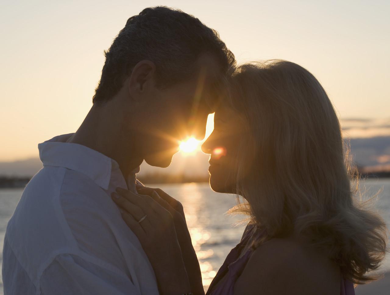 Huebsche Frauen oder eine huebsche Frau sind für jeden Mann ...