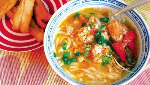 Crab Rice Spaghetti (Banh canh cua)