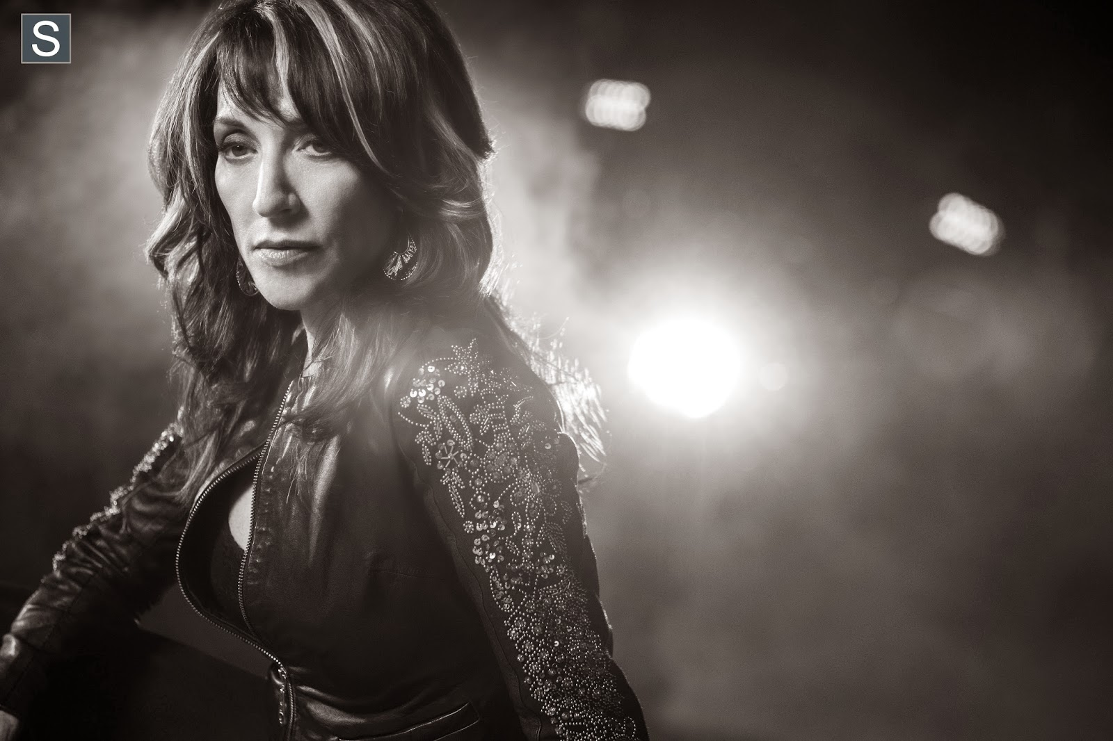 "Sons of Anarchy - Katey Sagal & Jimmy Smits on ""Sad, Grim"" and ""Satisfying"" Series Finale"