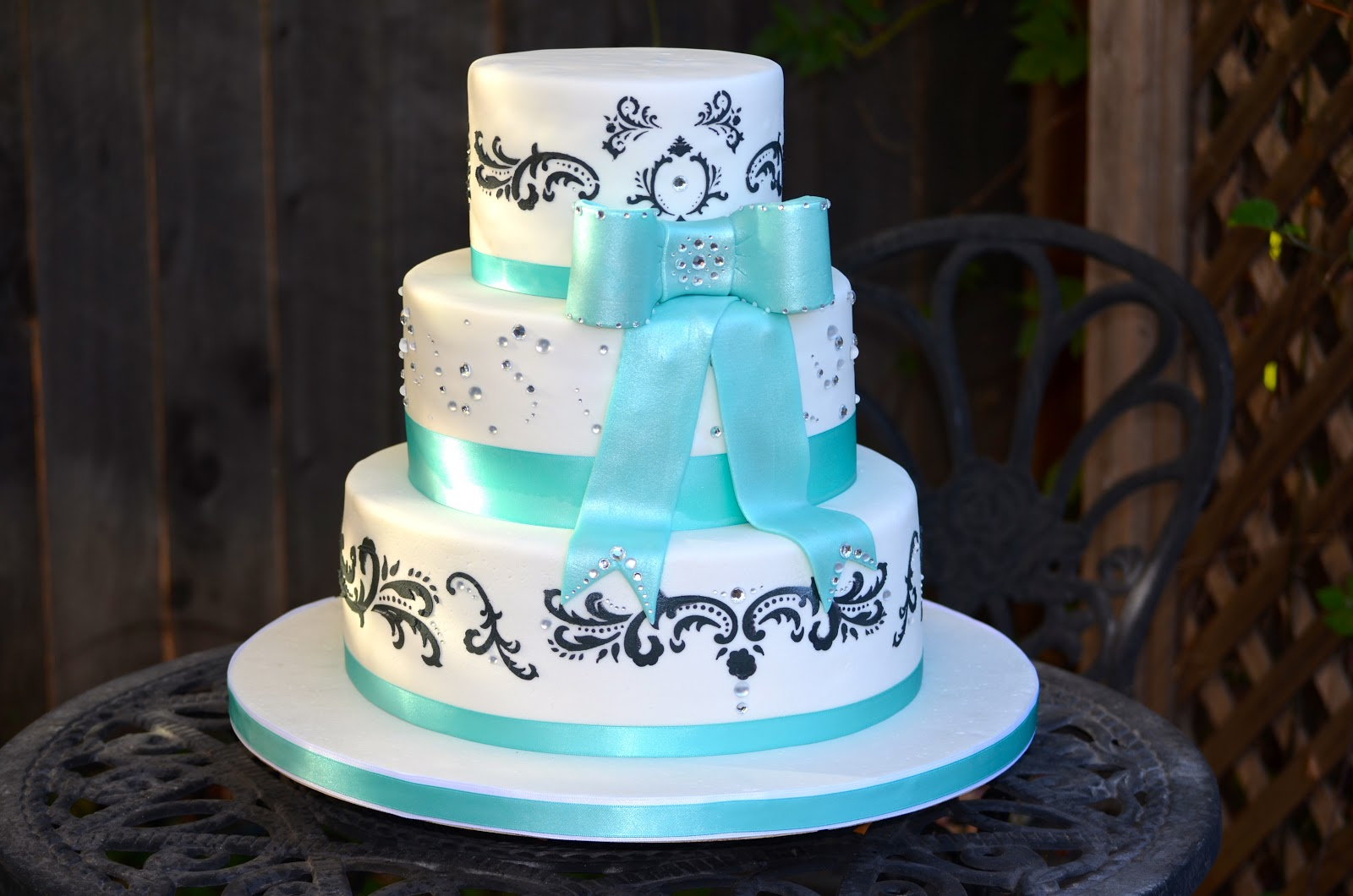 Bling Damask Cake Ideas and Designs
