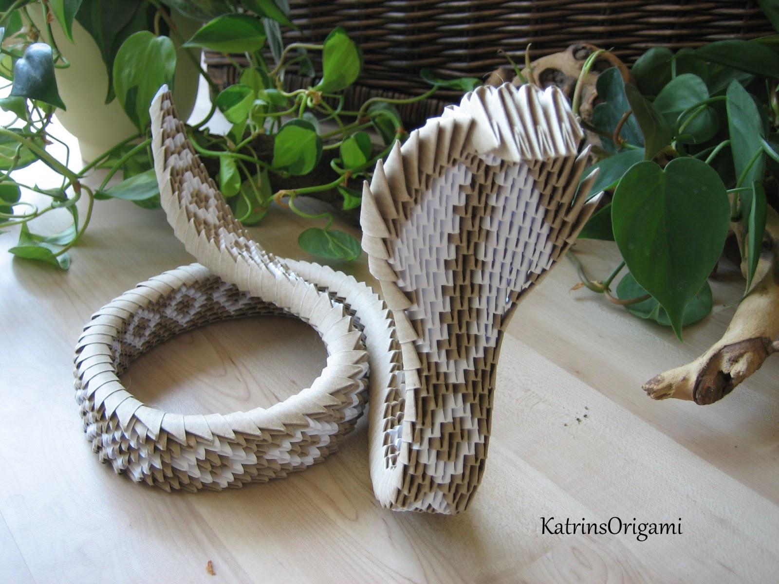Origami die kunst des papierfaltens origami 3d king cobra for Einfacher 3d raumplaner kostenlos