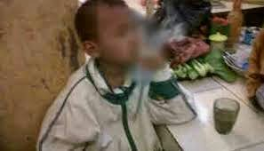 Kanak Kanak Umur 8 Tahun Hisap 2 Kotak Rokok Sehari