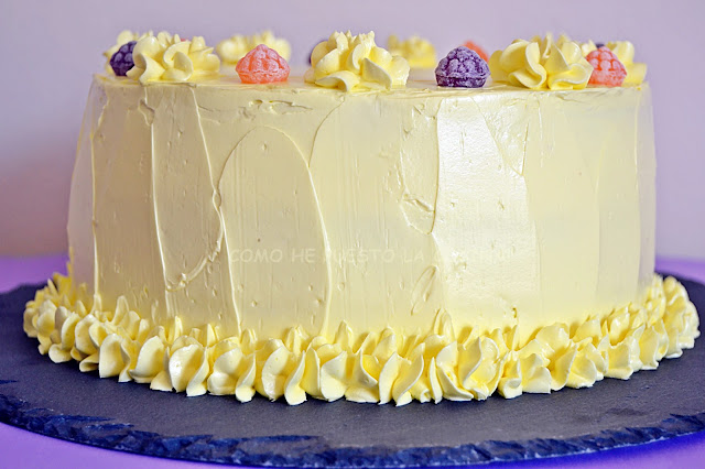 lemon-swiss-meringue-buttercream