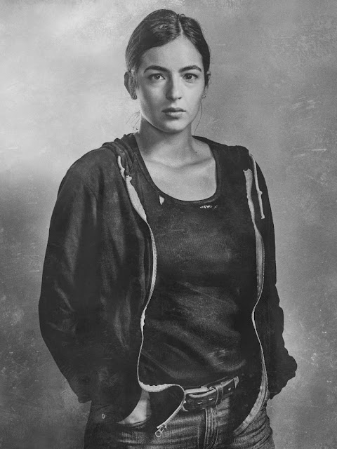 Alanna Masterson como Tara Chambler – The Walking Dead _ sexta temporada, Silver Portraits – Photo Credit: Frank Ockenfels 3/AMC