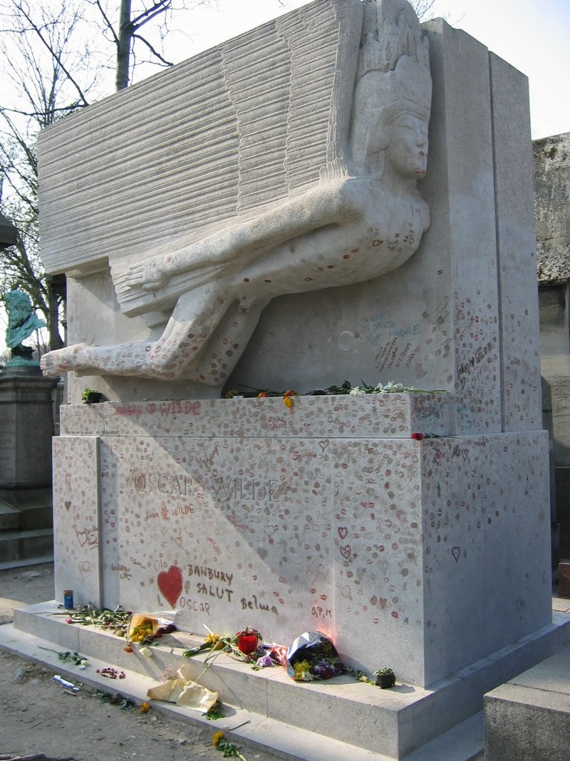 Oscar Wilde's Tomb Marked From Lipstic