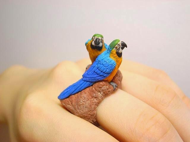 19-Ruri-Macaw-Jiro-Miura-Count-Blue-www-designstack-co