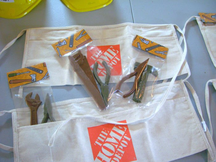 Gift bag from home depot could do crayon tools instead of the candy if