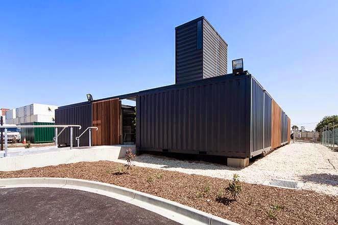la empresa australiana room ha creado las oficinas para la empresa de melbourne royal wolf hasta aqu todo parece normal si no fuera por que esta