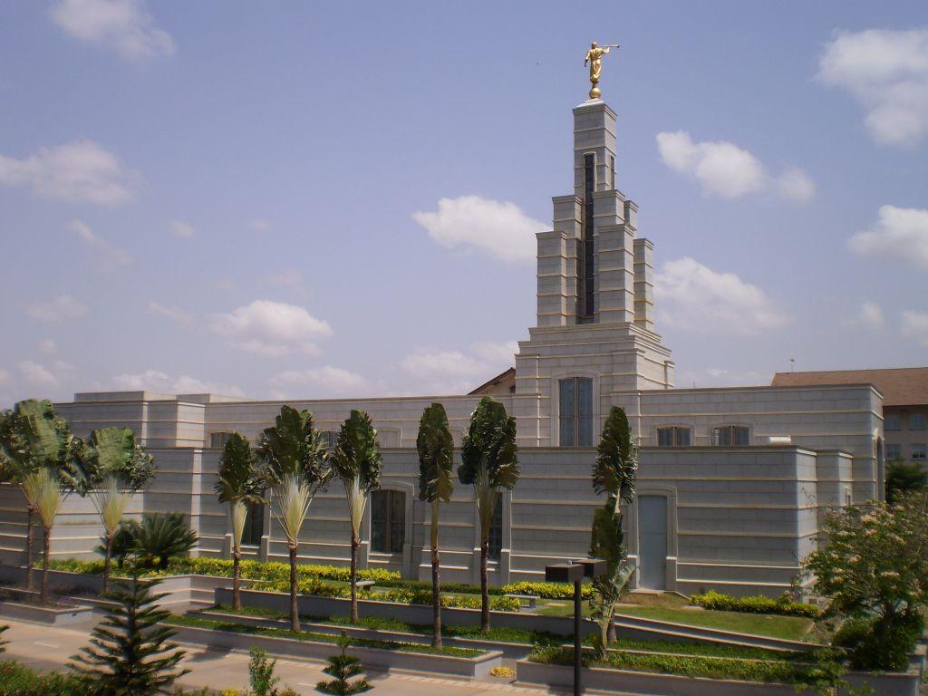 http://1.bp.blogspot.com/-4MAJITlzrOk/URAW_y1uh9I/AAAAAAAAAmw/EWnmzdD0qpw/s1600/accra-mormon-temple.jpg