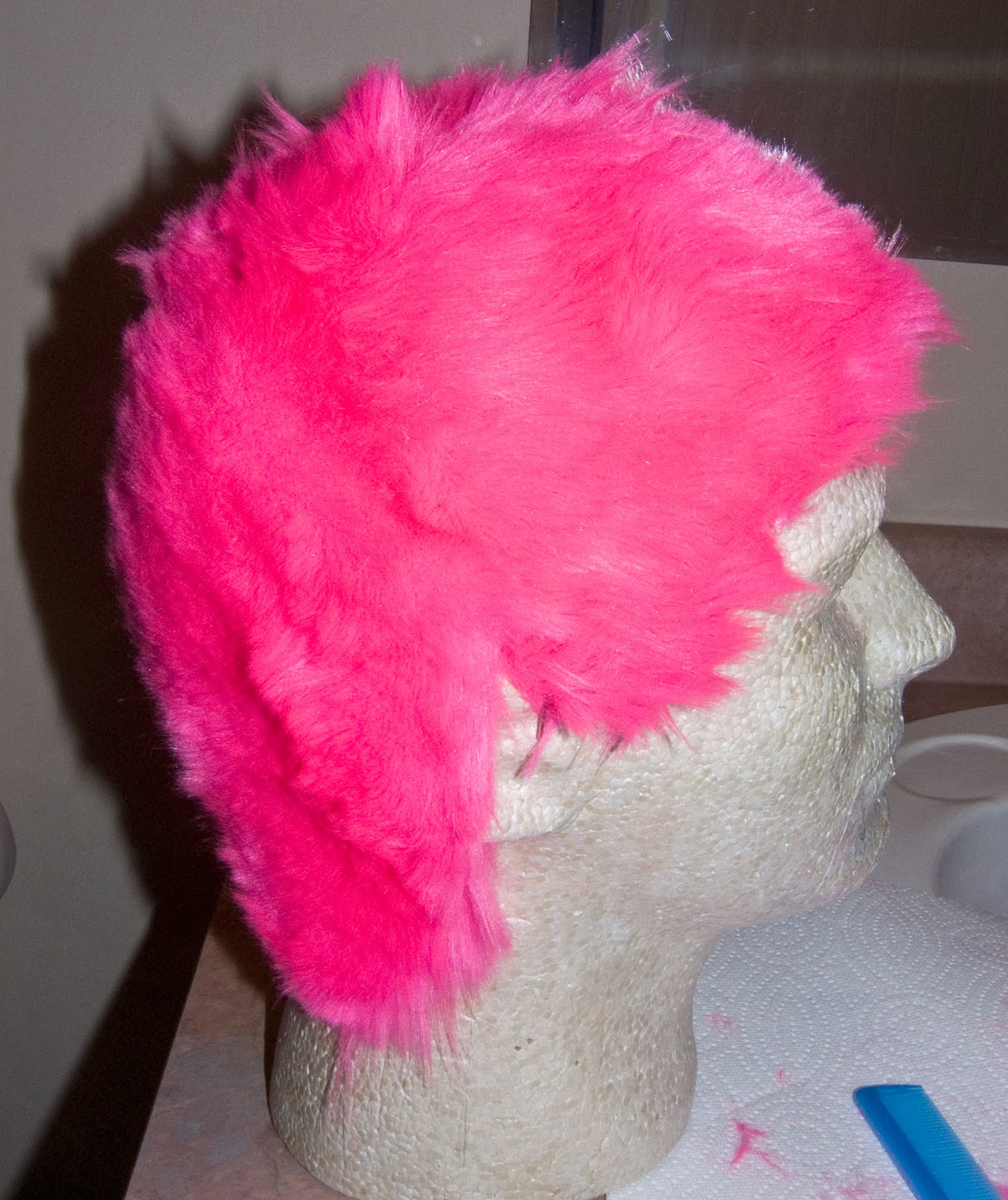 WARPAINT and Unicorns: Fake Buzz Cut Hair, Faux Fur Dying, Taming Clip
