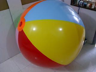 balon pantai