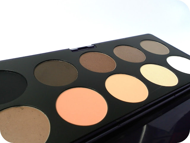A picture of the Neve Elegantissimi Eyeshadow Palette