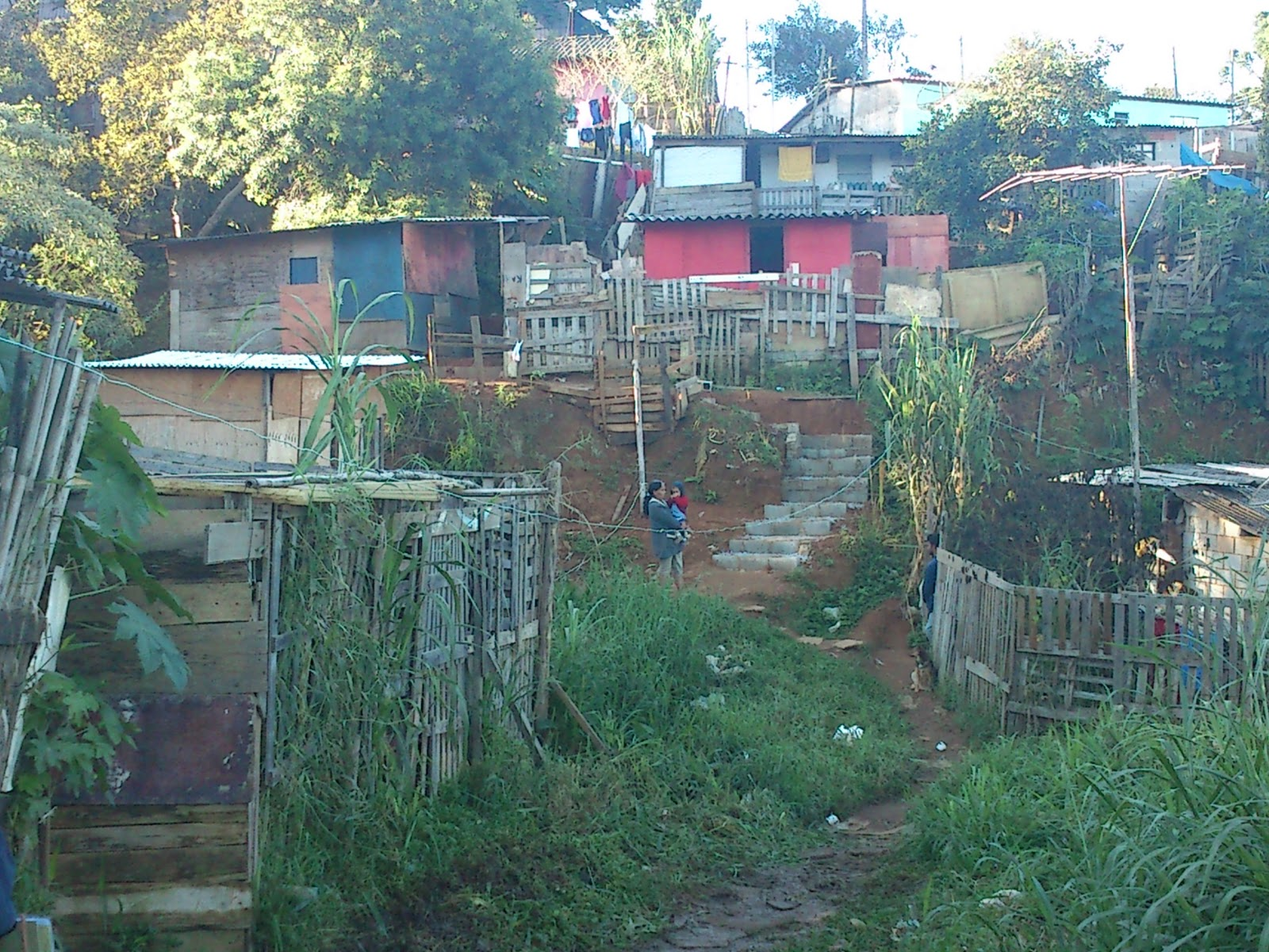 Guarda civil de ibi n prende traficante na favela do for Guarda herramientas para jardin