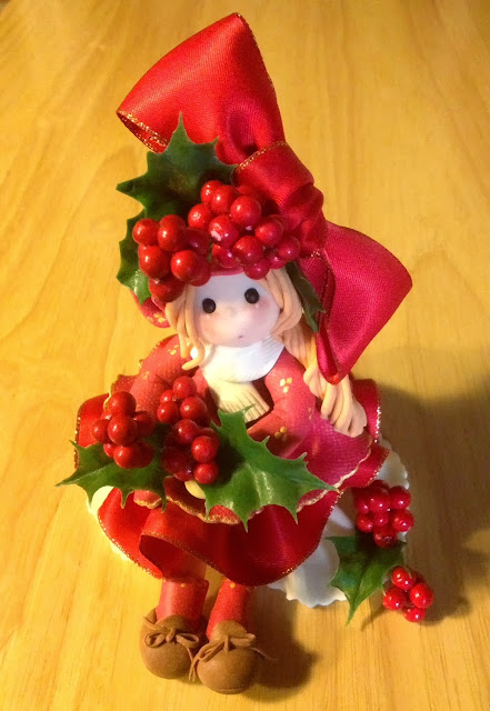 bambola porcellana fredda aghifoglio natalizia