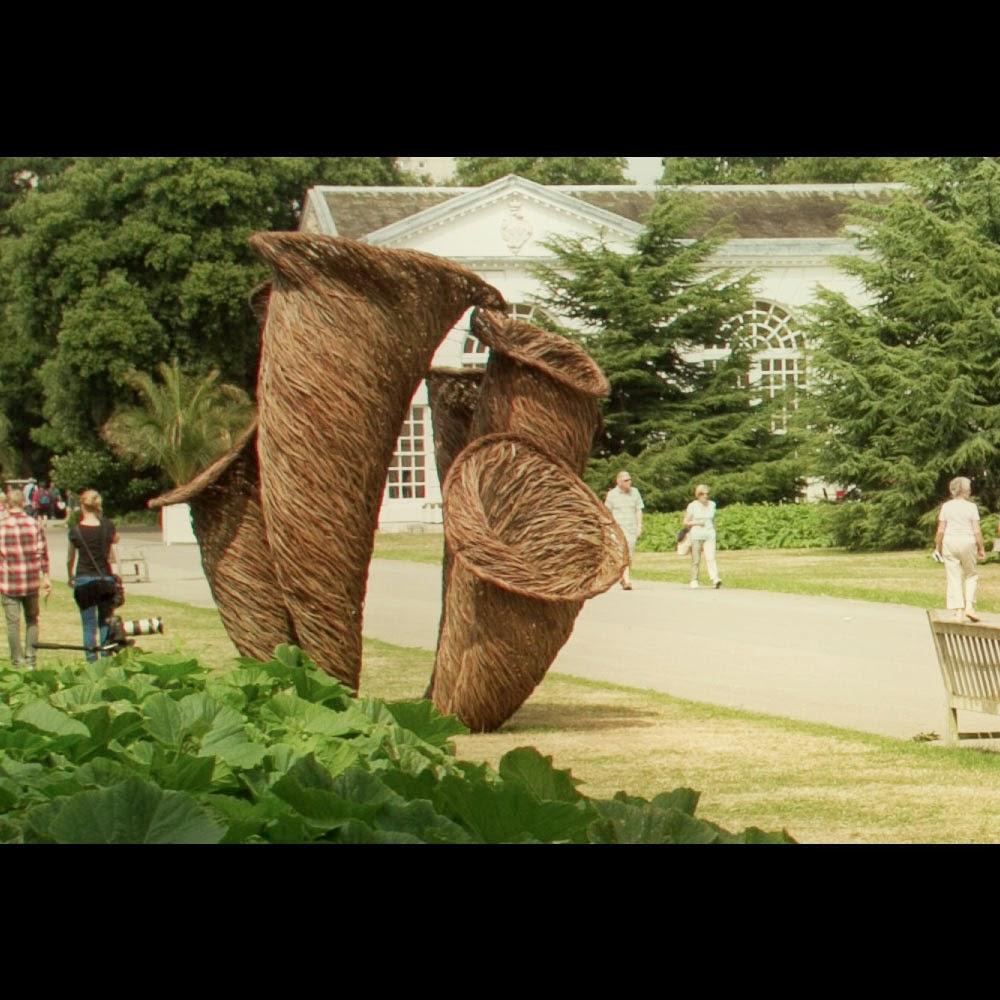 tom hare fungi sculpture fairy ring giant mushroom photography botanical garden kew park (3)