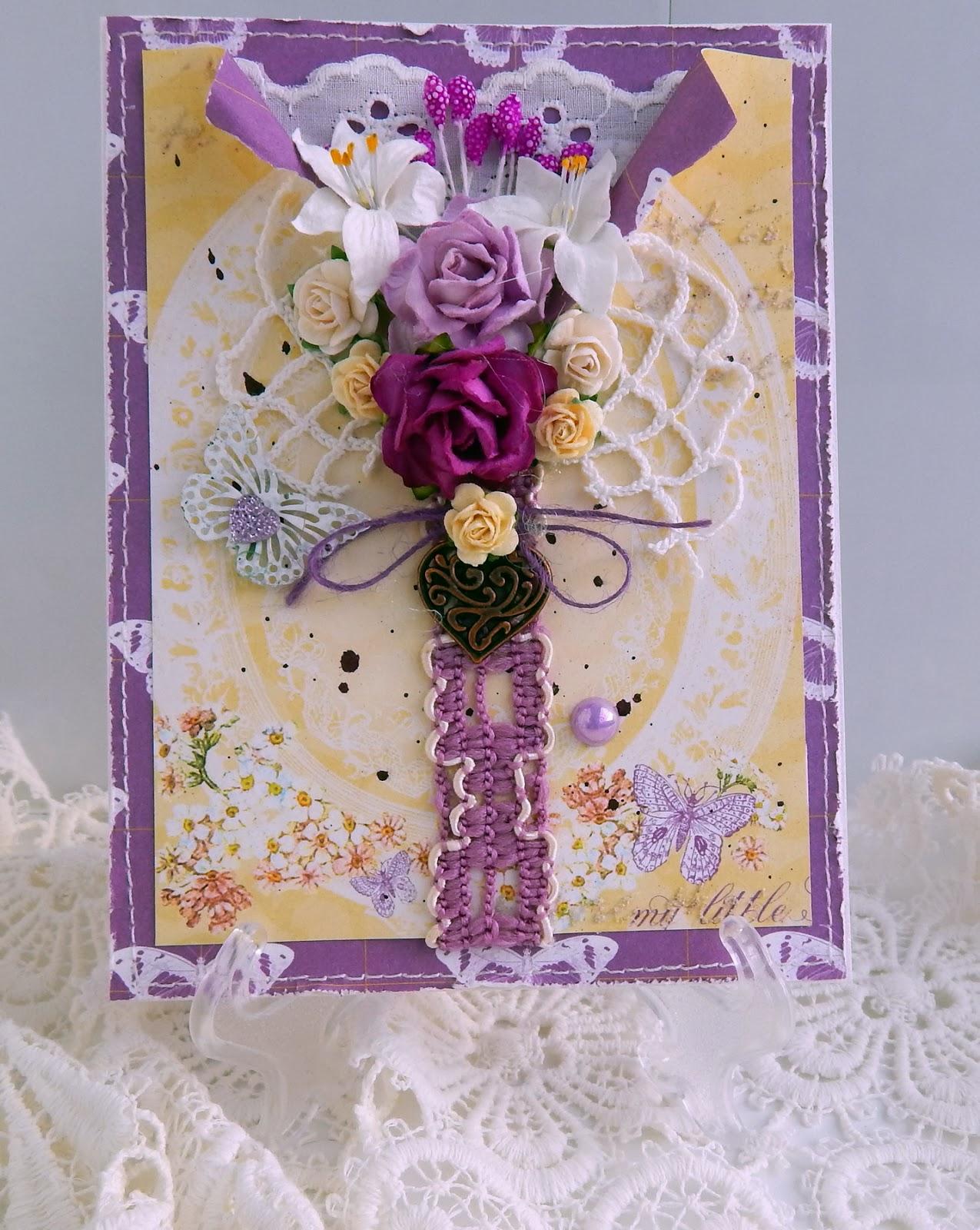 открытка с сердечком и цветами
