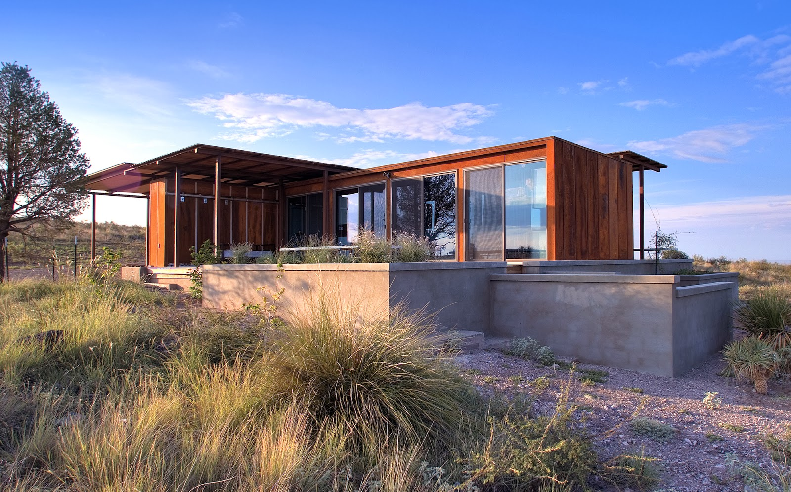 Real life is elsewhere marfa weehouse for Home architects