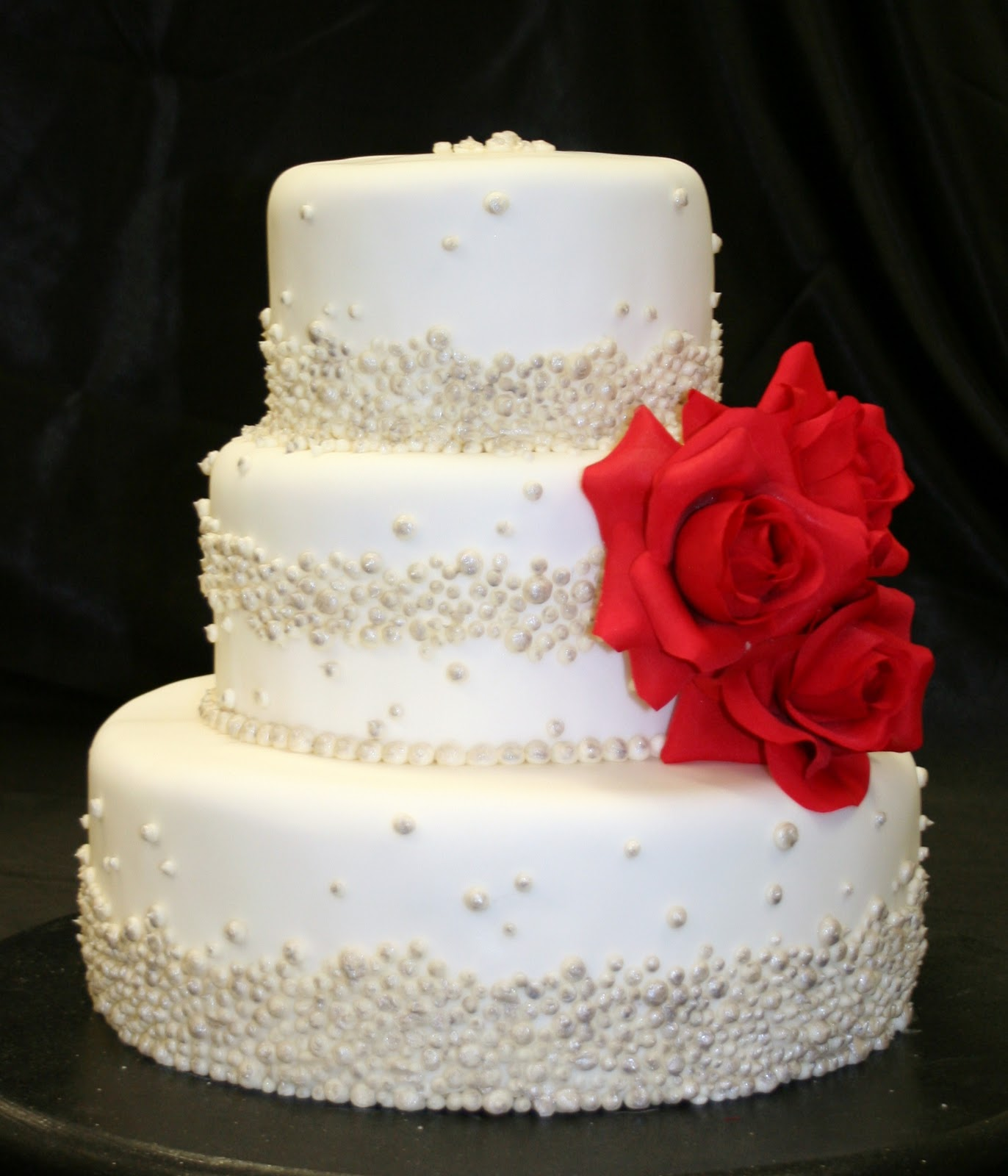 The Cake Cottage: Pearls and Roses