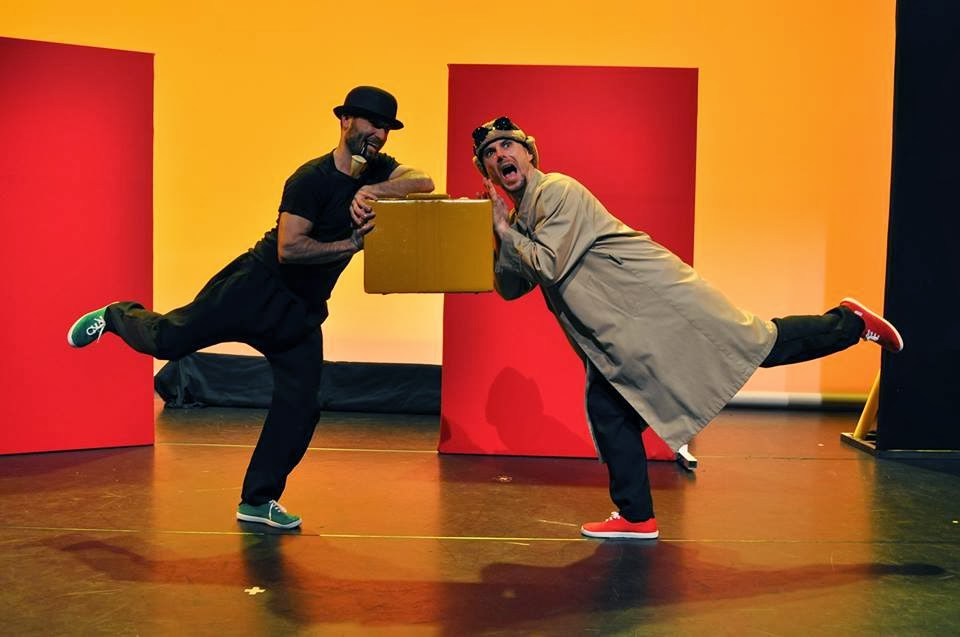 http://teatroentodaspartes.blogspot.com.es/2014/01/kung-fu-chandal.html