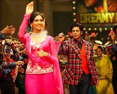 celebrity Gossip: Deepika Padukone Dresses Of Om Shanti Om