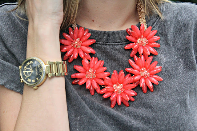 happiness boutique floral necklace