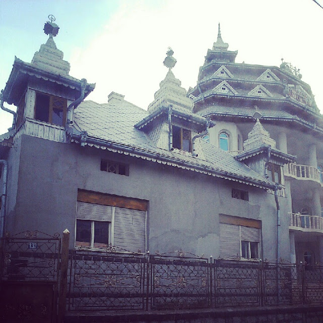 gipsy castles in transilvania