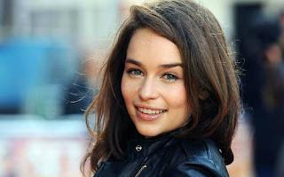 Emilia Clarke podría ser la novia del capitán América - Juego de Tronos en los siete reinos