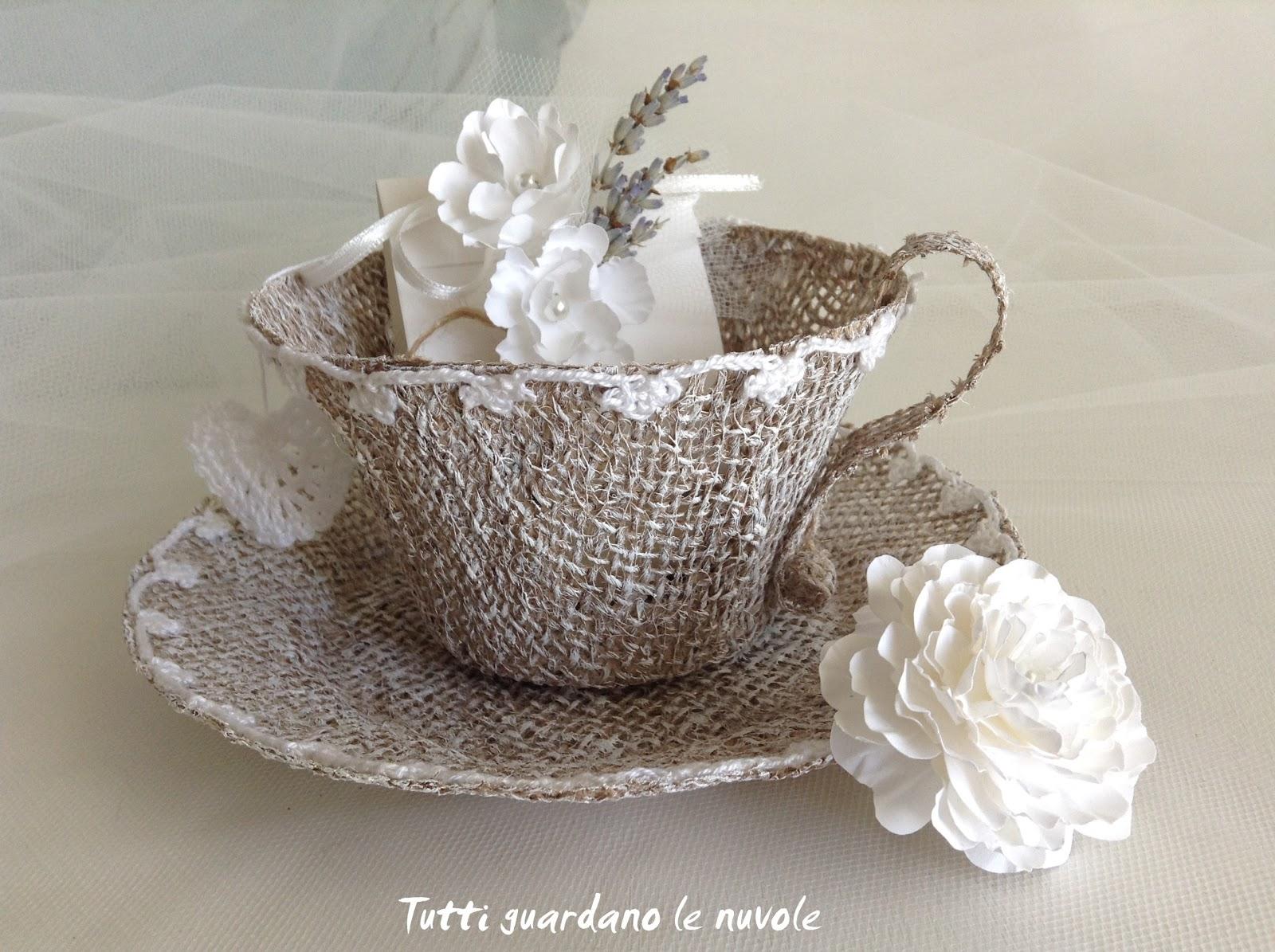Matrimonio Country Chic Bomboniere : Tutti guardano le nuvole wedding tea cup bomboniera