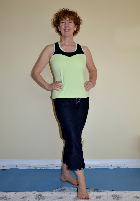 Ginger Jeans Yoga Pants, Sewaholic Dunbar Top, A Colourful Canvas