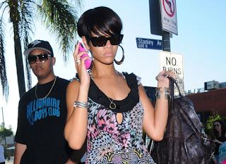 Rihanna sleek and chic hairstyle