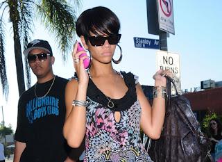 Rihanna sleek and chic hairstyle